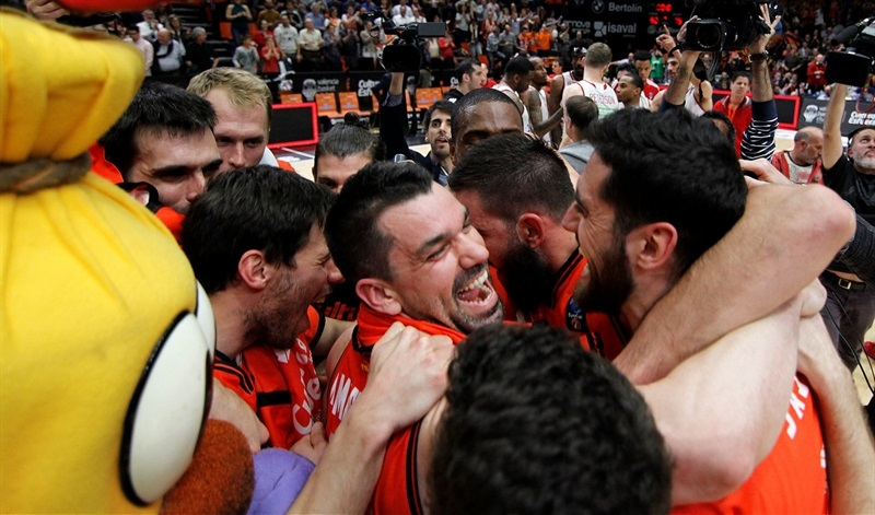 Valencia Basket celebrates - Valencia Basket - EC16 (photo Valencia Basket - Miguel Angel Polo)