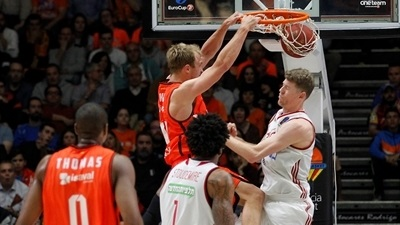 Valencia ousted Jerusalem in only previous Game 3 in semis