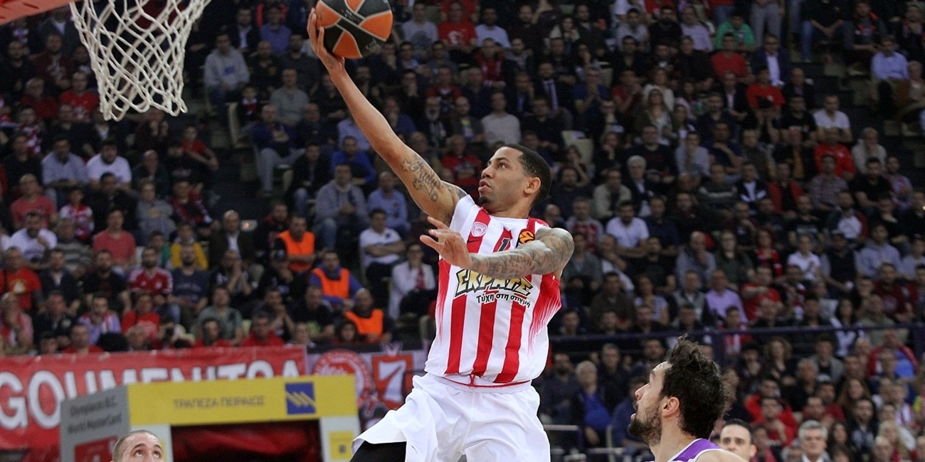 Valencia adds scoring ace Green