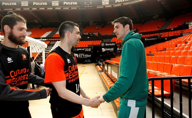 Rafa Martinez and Carlos Suarez - Valencia Basket and Unicaja practices - Finals 2017 - EC16