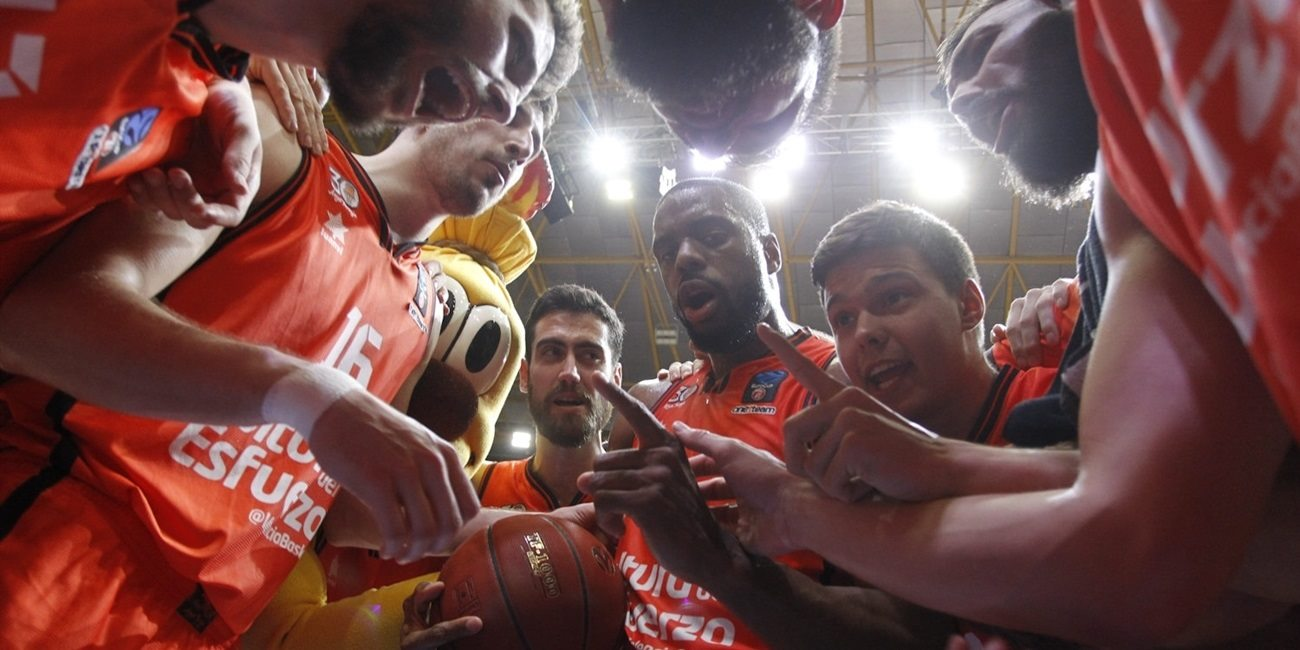 Game Center: 7DAYS EuroCup Finals, Game 1