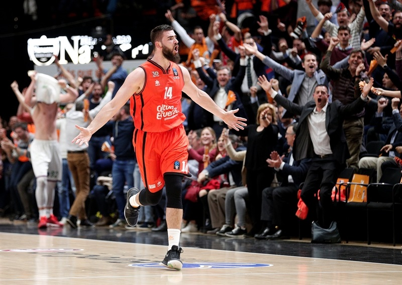 Bojan Dubljevic celebrates - Valencia Basket - EC Finals 2017 - EC16 (photo Miguel Angel Polo - Valencia Basket)