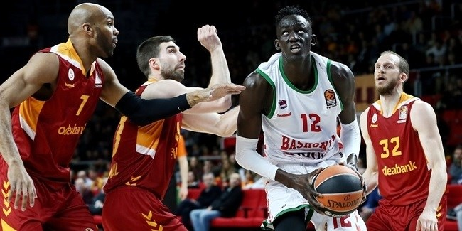 Regular Season Round 29: Baskonia's big road win keeps its home-court hopes alive