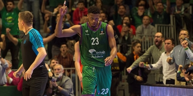 Unicaja keeps power forward Brooks