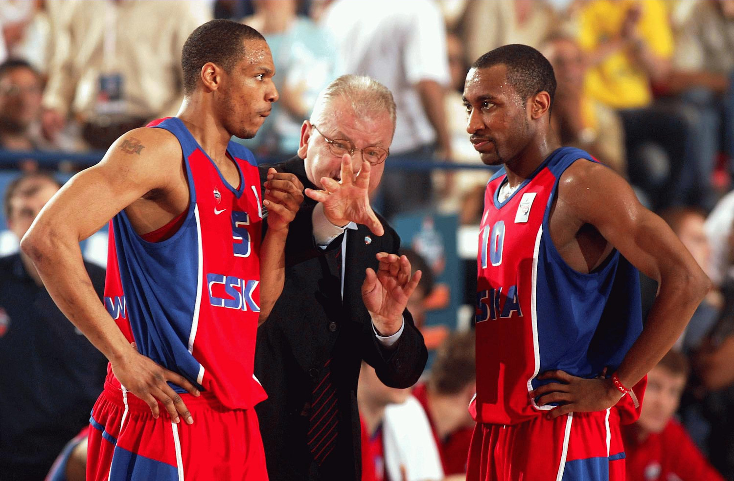 Marcus Brown with Ivkovic and Holden - CSKA Moscow - Final Four 2004 Tel Aviv