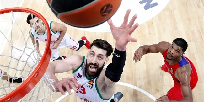Baskonia re-signs power forward Shengelia