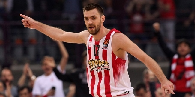 Olympiacos, Mantzaris pen three-year deal