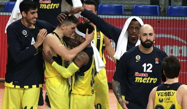On This Day, 2017: Fenerbahce wins second straight playoff game on the road