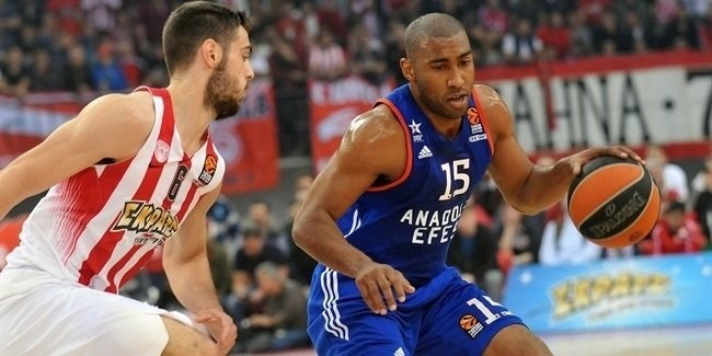 Playoffs Game 2: Efes evens series with tough win in Piraeus