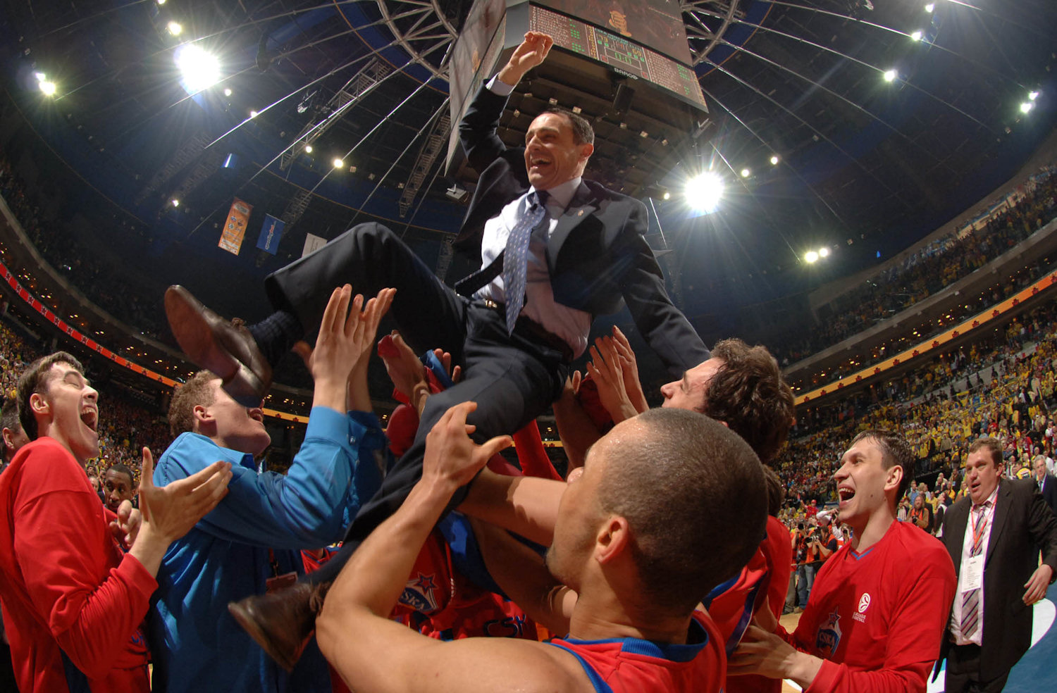 Ettore Messina - CSKA Moscow Champ - Final Four Prague 2006 - EB05