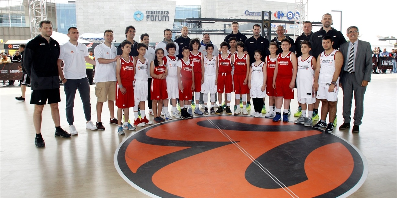 Former greats back in action for Legends One Team Session and Exhibition Game