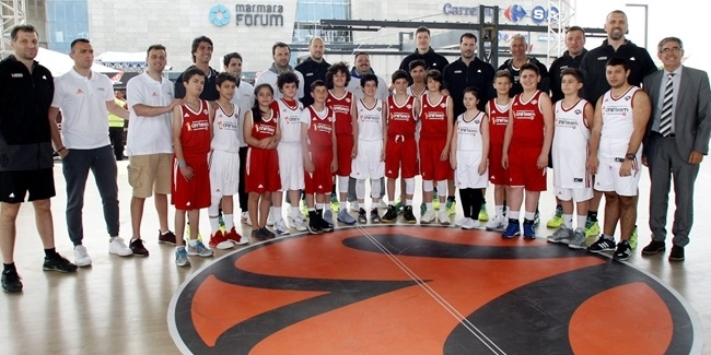 Final Four Istanbul 2017 - Legends One Team Session and Exhibition Game