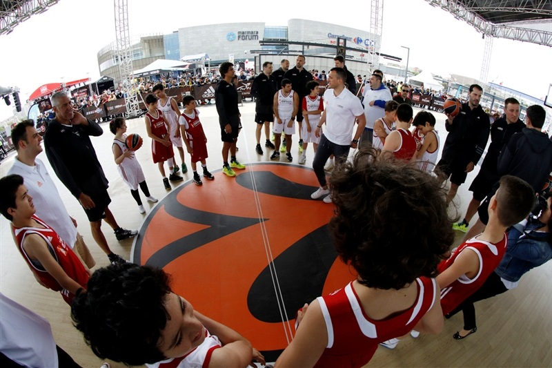 Legends One Team Session and Exhibition Game in FanZone - Final Four Istanbul 2017
