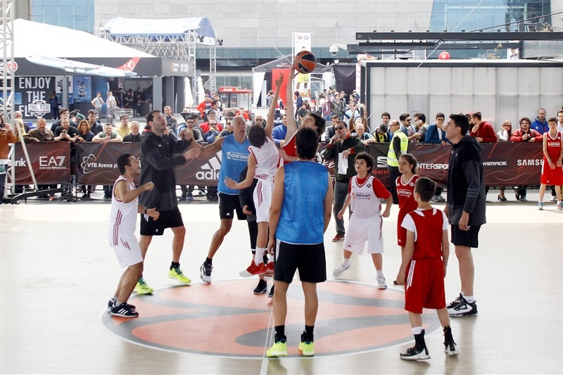 Legends One Team Session and Exhibition Game in FanZone - Final Four Istanbul 2017_7tkhsluffjux95lw