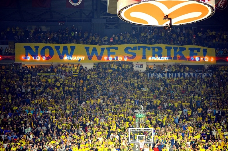 Fans - Fenerbahce Istanbul - Final Four Istanbul 2017 - EB16