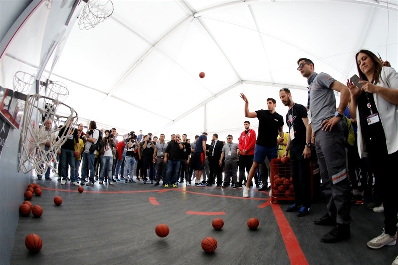 Final Four stars visit FanZone - Final Four Istanbul 2017 - EB16