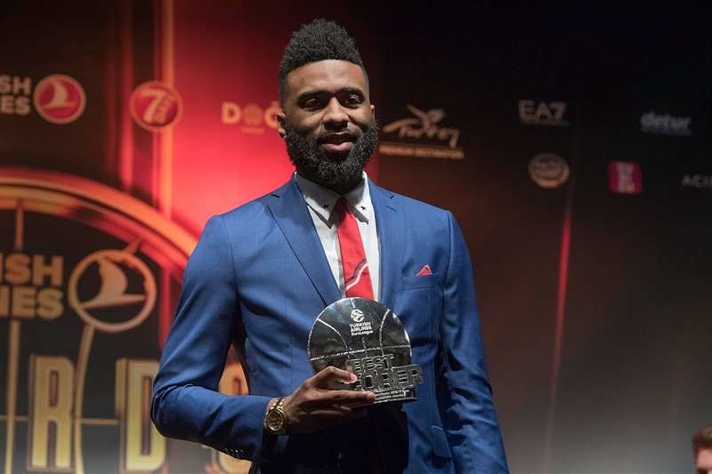 Keith Langford, Alphonso Ford Top Scorer Trophy - Turkish Airlines Euroleague Awards Ceremony - Final Four Istanbul 2017 - EB16