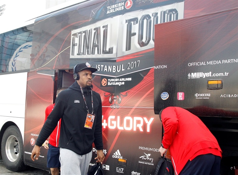 Kyle Hines - CSKA Moscow arrival - Final Four Istanbul 2017 - EB16