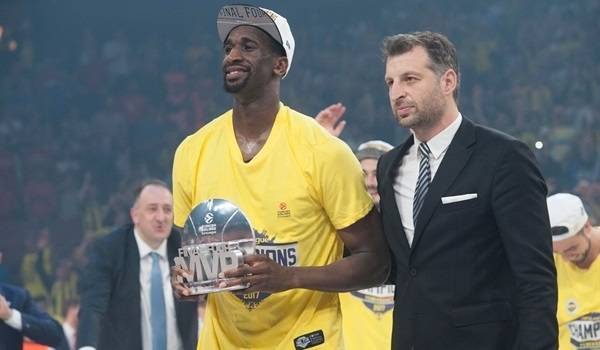 Udoh caps historic Final Four with MVP award