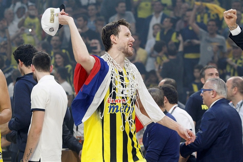 Jan Vesely - Fenerbahce Istanbul Champ - Final Four Istanbul 2017 - EB16