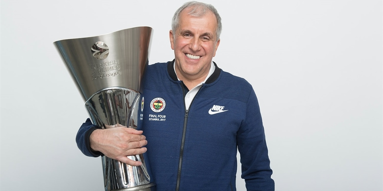 Fenerbahce's Zeljko Obradovic is voted the Alexander Gomelsky Coach of the Year!