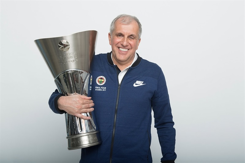 Zelkjo Obradovic - Fenerbahce Istanbul trophy photo shoot - Final Four Istanbul 2017 - EB16