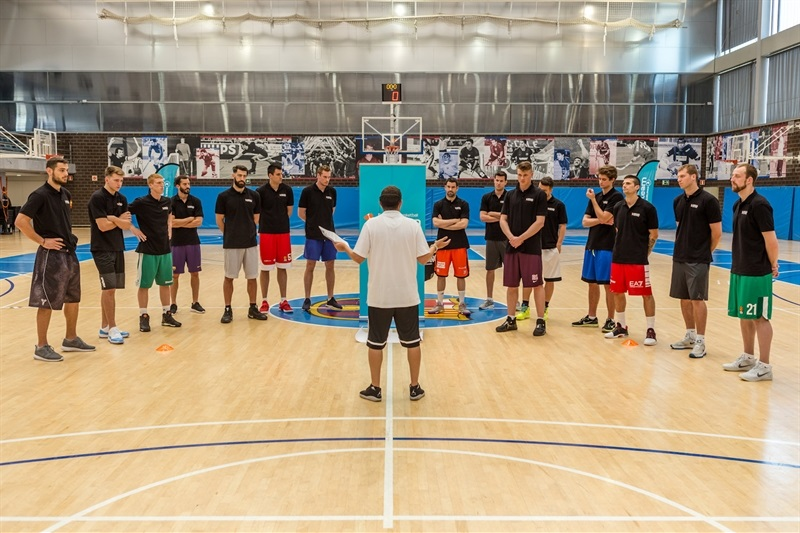 One Team sesion in Barcelona with EuroLeague players - EB16