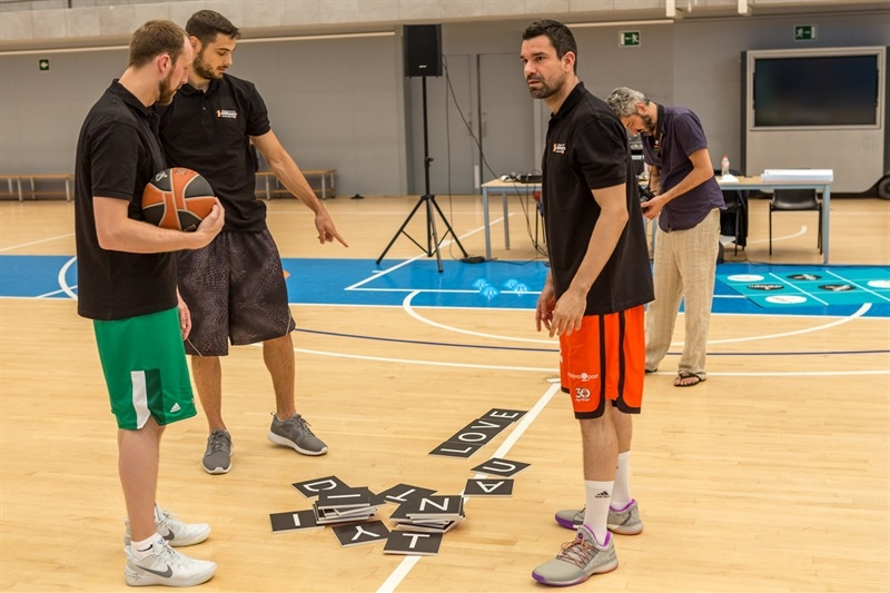 One Team sesion in Barcelona with EuroLeague players 10- EB16