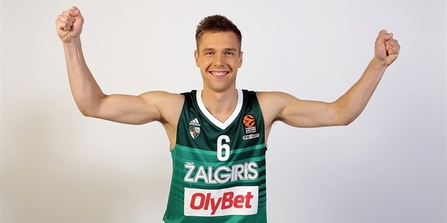 Zalgiris re-signs guard Valinskas