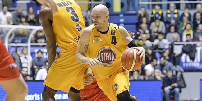 Fiat Turin keeps veteran playmaker Parente