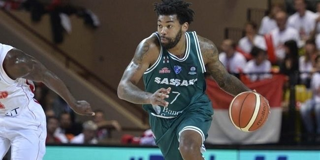 Lokomotiv signs guard Lacey