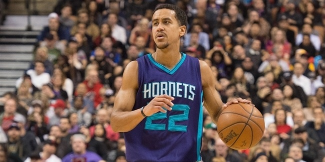 Olympiacos signs guard Roberts