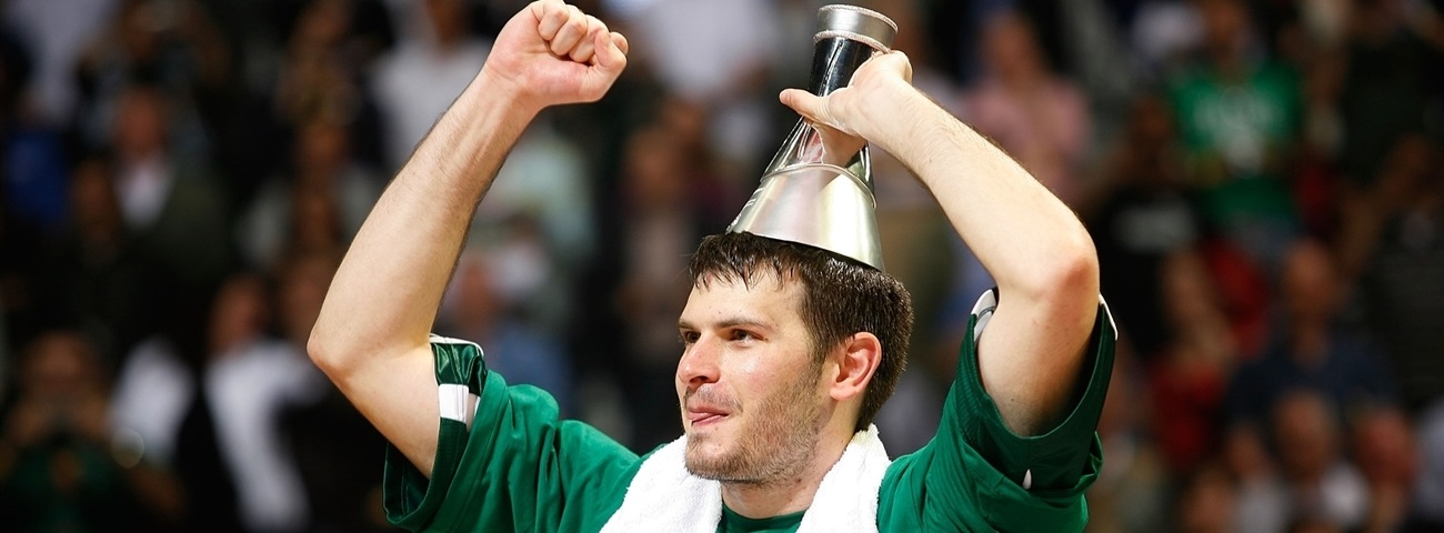 Three-time champ Fotsis retires from professional hoops