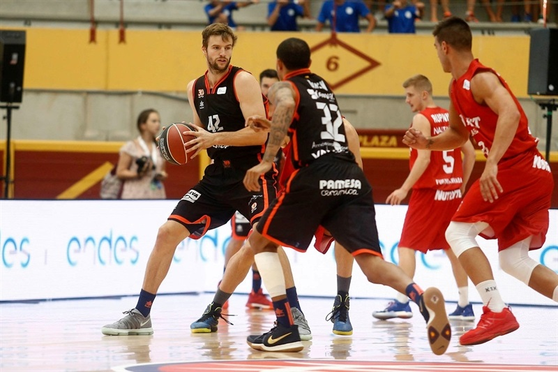 Aaron Doornekamp - Valencia Basket in preseason (photo ACB) - EB17