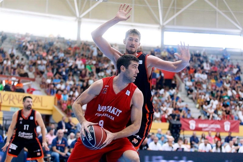 Tibor Pleiss - Valencia Basket in preseason (photo ACB) - EB17