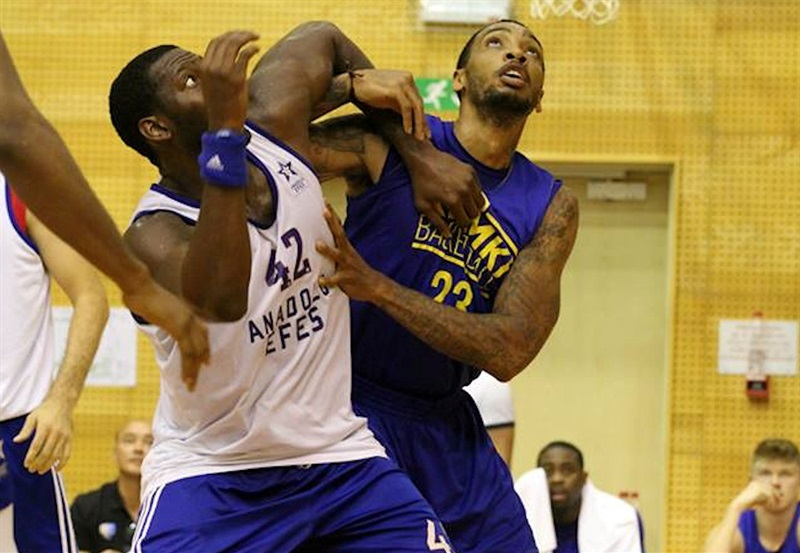 Bryant Dunston and Malcolm Thomas - Anadolu Efes Istanbul vs. Khimki Moscow Region preseason (photo Khimki) - EB17