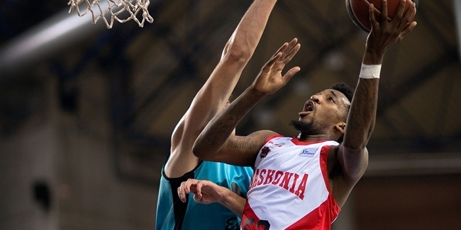 Baskonia loses McRae for two months