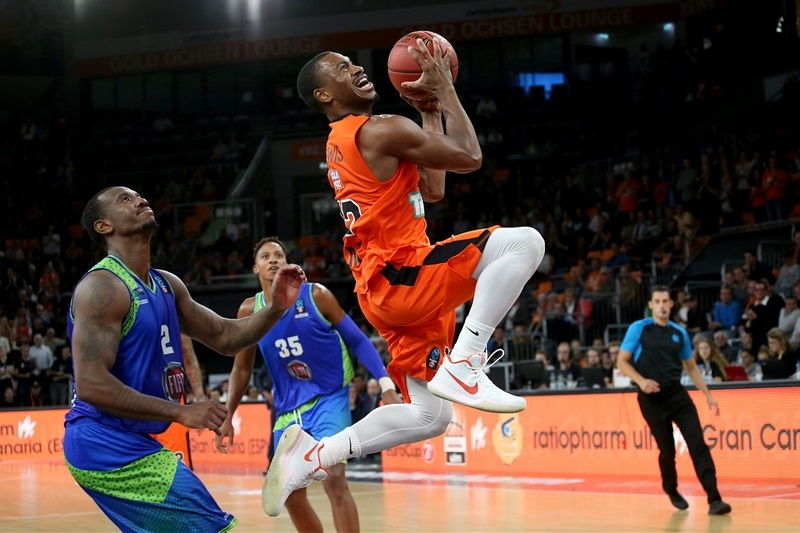 Joseph Lewis - ratiopharm Ulm (photo Ulm) - EC17
