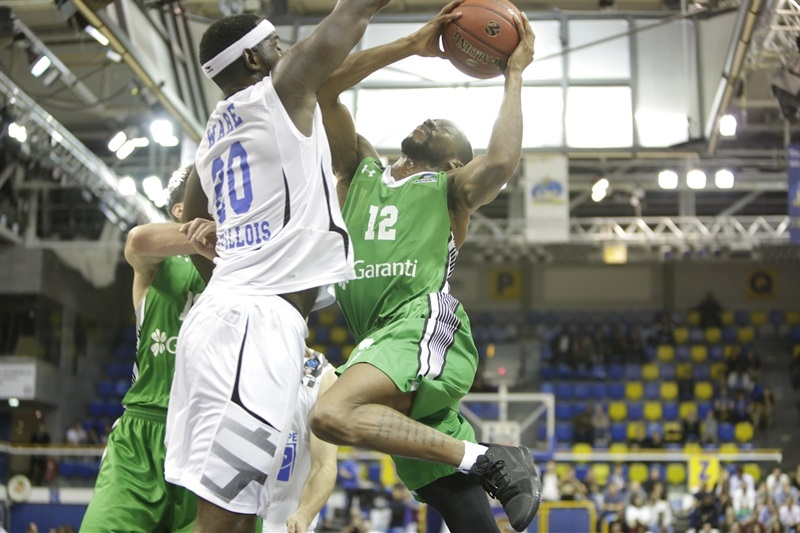 Will Cummings - Darussafaka Istanbul (photo Levallois - Karen Mandau) - EC17