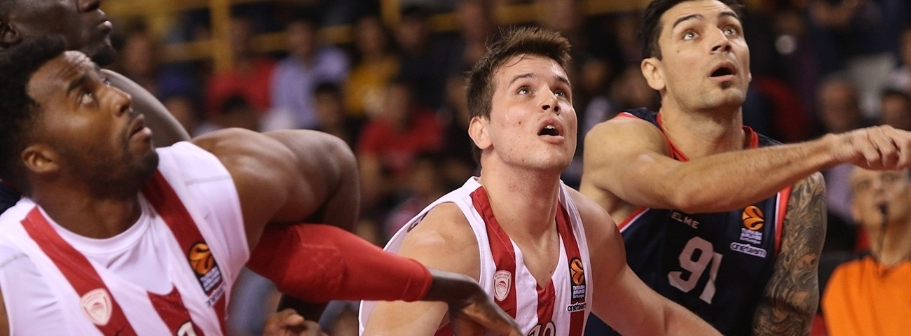 Olympiacos' Agravanis, out for the season