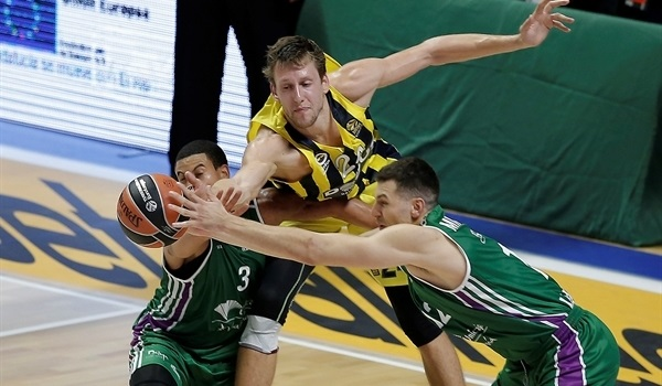 RS Round 1 report: Magnificent defense allows Unicaja to overcome reigning champs Fenerbahce