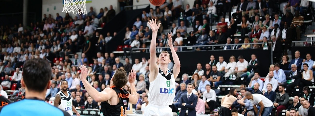 Limoges brings aboard shooter Lang