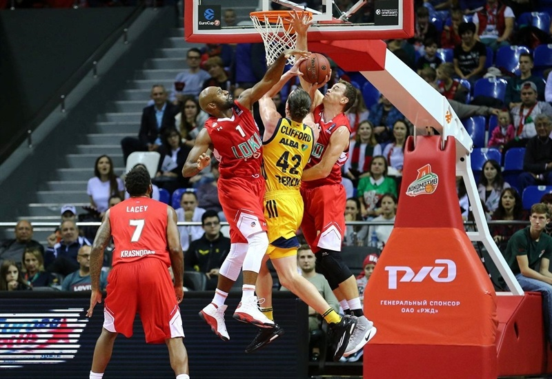Dennis Clifford - ALBA Berlin (photo Lokomotiv) - EC17