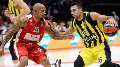 Sloukas shines as Fenerbahce claims overtime win in Milan