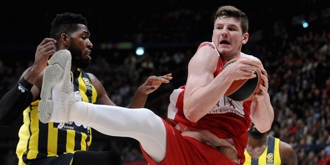 AX Milan extends center Gudaitis
