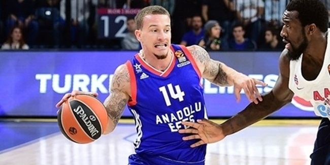Unicaja adds Adams at point guard