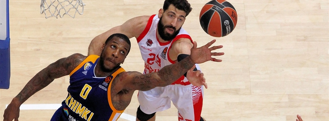 Khimki center Robinson out with broken wrist