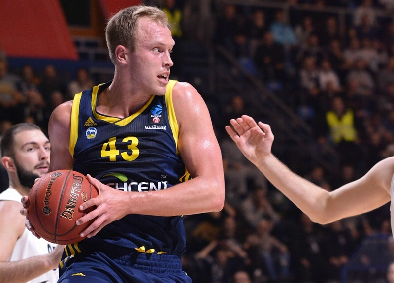 Luke Sikma - ALBA Berlin (photo Partizan) - EC17