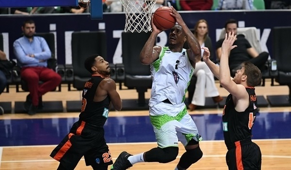 UNICS adds forward Morgan