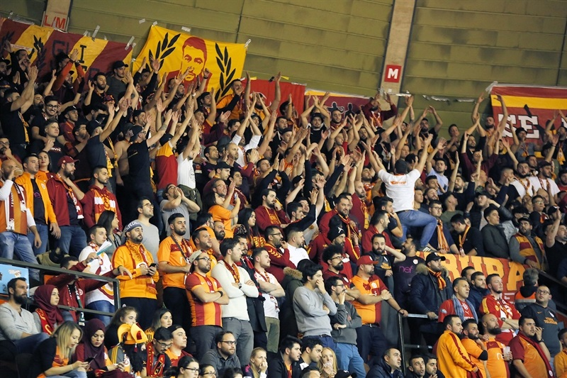 Fans Galatasaray Odeabank Istanbul (photo FCBB) - EC17